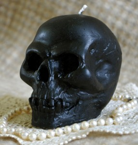 Beeswax Black Skull Candle
